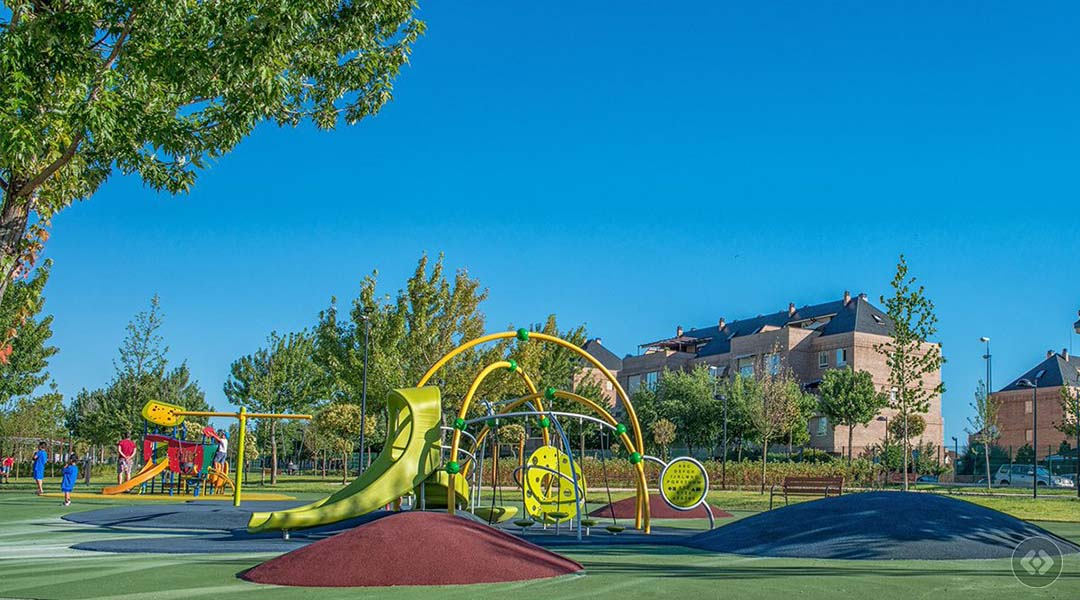 Imagen Ruta central en el Parque Adolfo Suárez